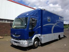 For sale: Stunning 7.5t Horsebox for Sale