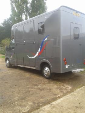 For sale: Super Courchevel 3.5t horsebox
