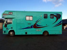 For sale: Very Smart 7.5ton Horsebox