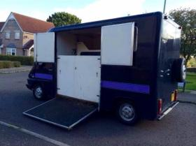 For sale: 3.5T Renault Master Coachbuilt Horsebox