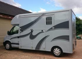 For sale: 3.5t well maintained horsebox