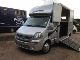 For sale: Tidy 3.5 tonne LWB Horsebox for Sale
