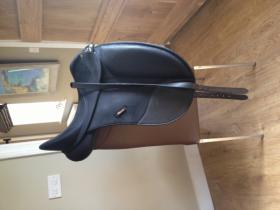 For sale: Wintec Isabell Werth Dressage Saddle 16.5