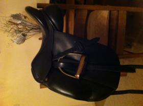 For sale: Ideal Roella Dressage Saddle