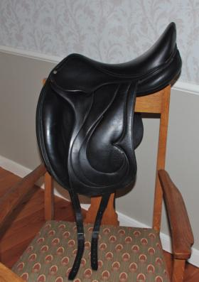 For sale: ANTARES MONOFLAP DRESSAGE SADDLE