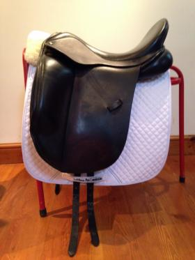 For sale:  17.5 W Ideal Suzannah Dressage Saddle