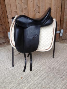 For sale: Saddle for sale