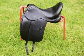 For sale: Black Country Eloquence Dressage Saddle